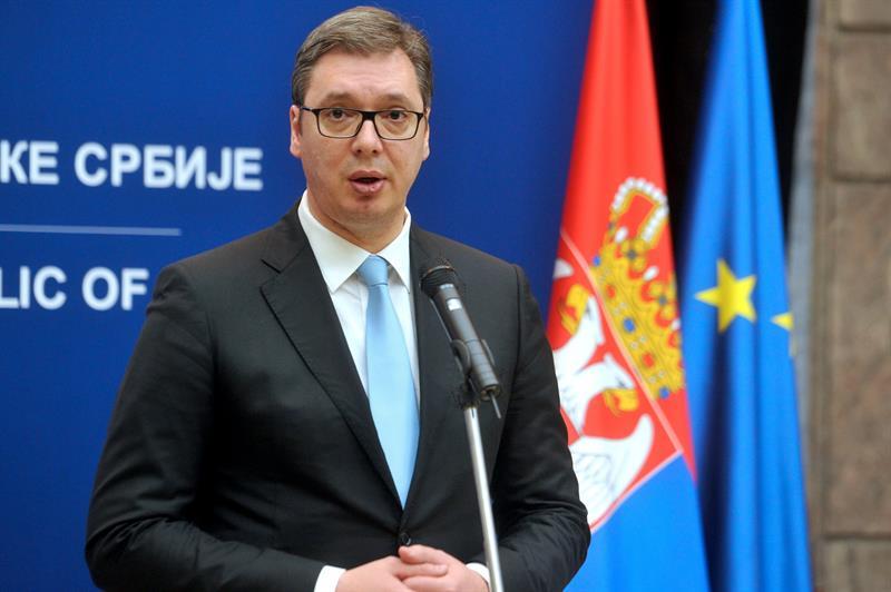 Vucic odgovara na pitanja novinara nakon svecanosti povodоm urucenja stipendija nadarenim ucenicima i studentima