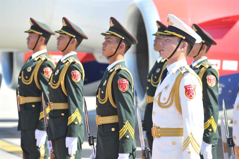 """Predsednik Srbije Aleksandar Vucic doputovao je danas u Peking, u posetu Kini, gde ce ucestvovati na Svetskom ekonomskom forumu, poznatijem kao """"letnji Davos"""""""
