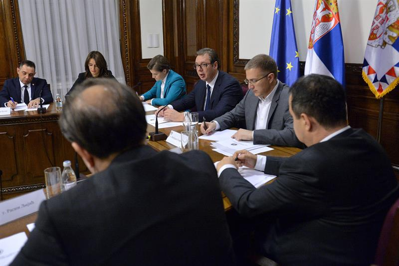 Vucic i premijerka Srbije Ana Brnabic i ministar unutrasnjih poslova, Nebojsa Stefanovic na sednici Saveta za nacionalnu bezbednost