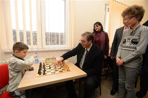 Председник Србије Александар Вучић у посети спортистима Јужнобанатског округа