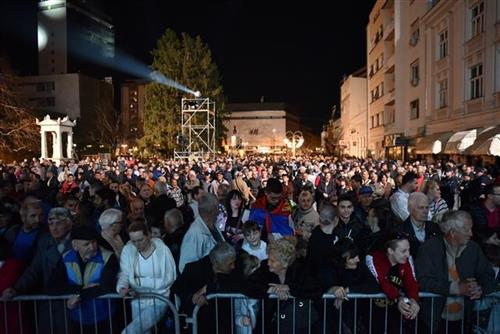 Грађани Ниша на комеморацији у Нишу поводом Дана сећања на НАТО бомбардовање