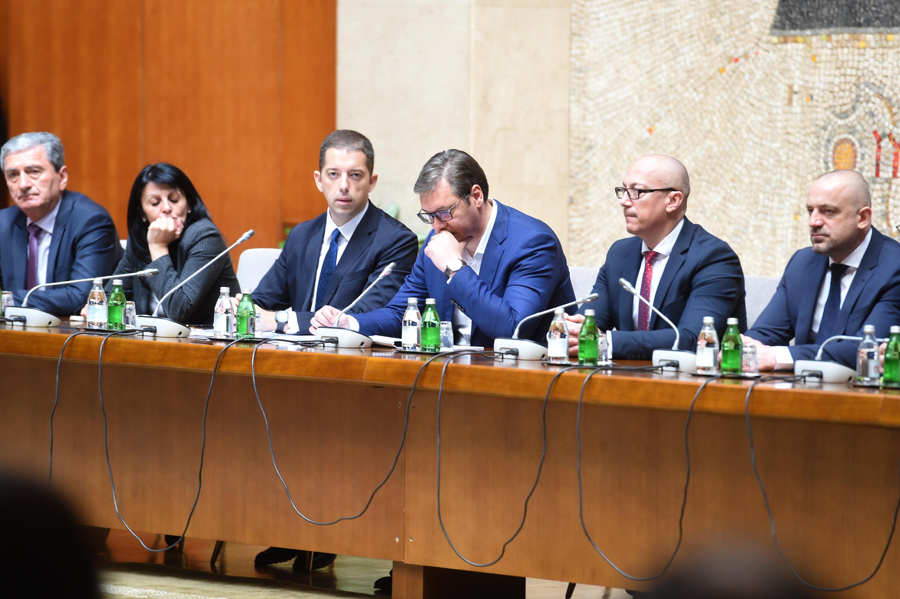 """Sastanku u Palati """"Srbija"""" prisustvuje 137 predstavnika Srba sa celog Kosmeta, kao i direktor Kancelarije za Kosovo i Metohiju Marko Djuric"""
