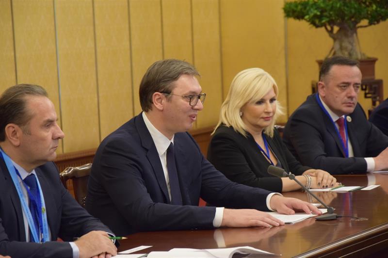 Председник Србије Александар Вучић са сарадницима на састанку са Владимиром Путином.