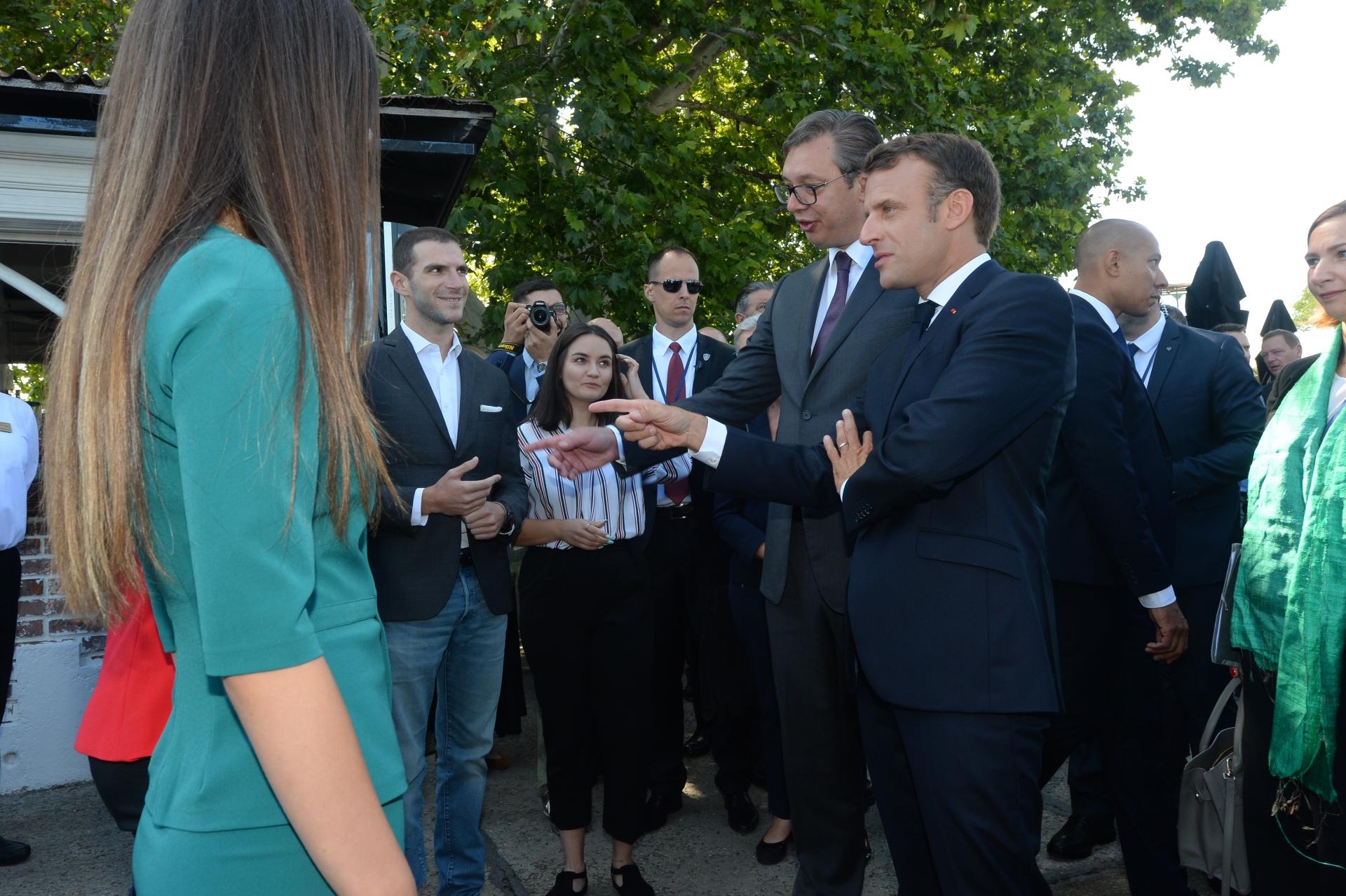 Vucic i Makron