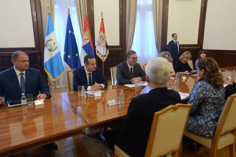 Председник Србије Александар Вучић састао се са министарком спољних послова Гватемале Сандром Ериком Ховел Поланко.