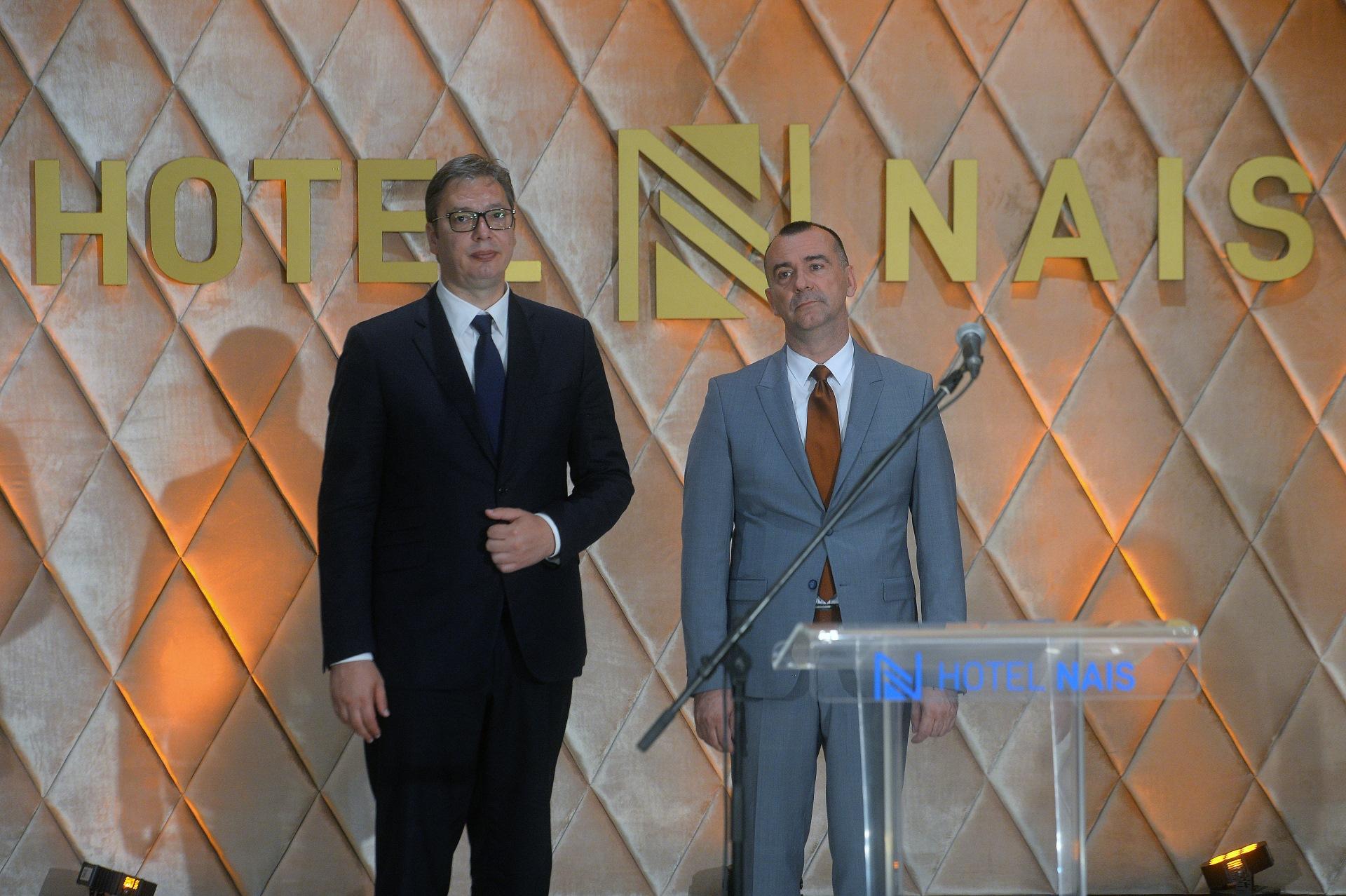 Председник Србије Александар Вучић на отварању реновираног хоела Наис крај Ниша.