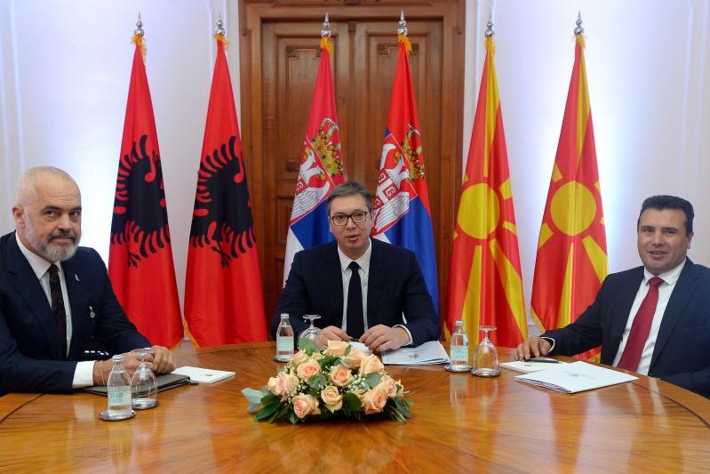 Vucic sa premijerima Severne Makedonije i Albanije