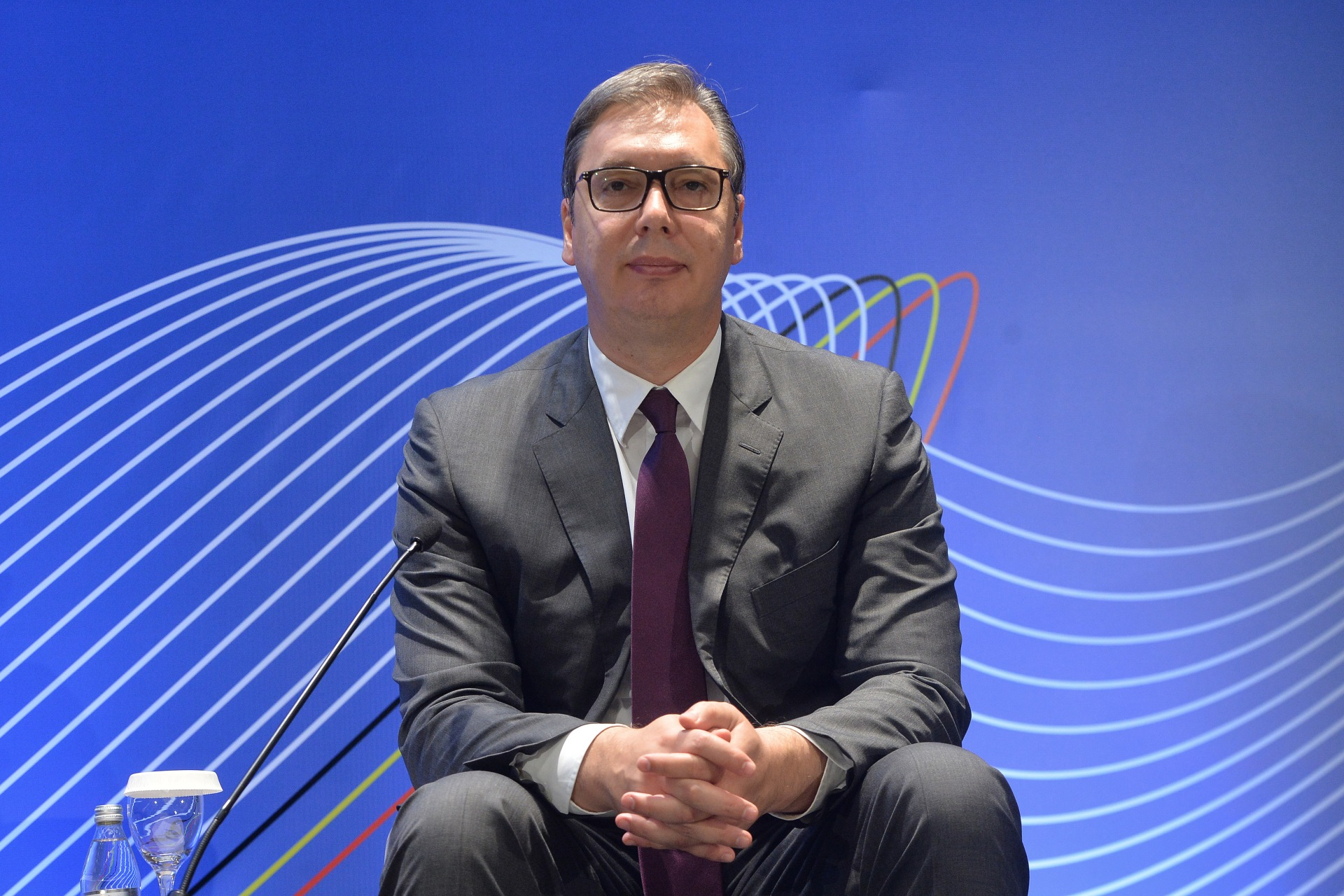 Predsednik Srbije Aleksandar Vucic i pocasni predsednik Evropskog saveta i bivsi premijer Velgije Hermean van Rompej na konferenciji EU i Srbija zajednička sudbina.