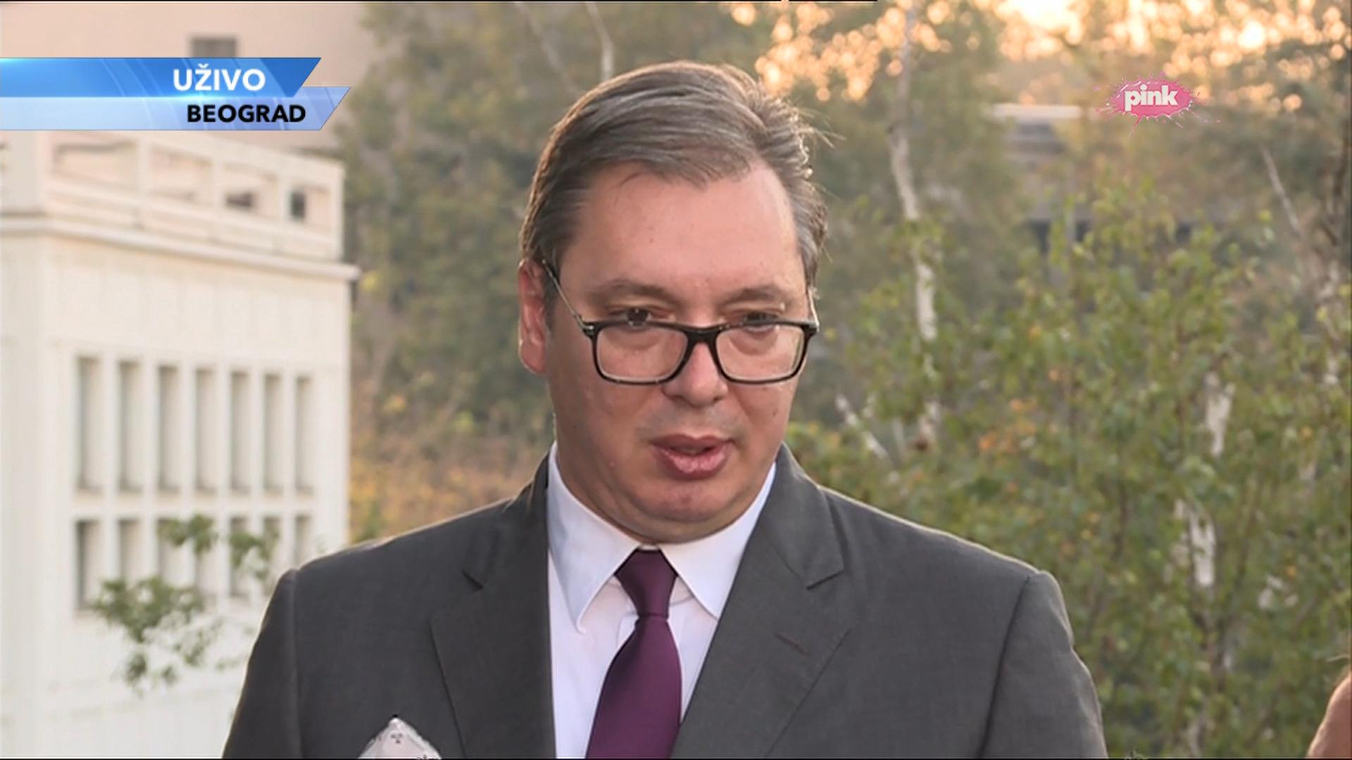 Predsednik Srbije Aleksandar Vucic daje izjave medijima na konferenciji EU i Srbija zajednicka sudbina - ukljucenje u Dnevnik Pinka