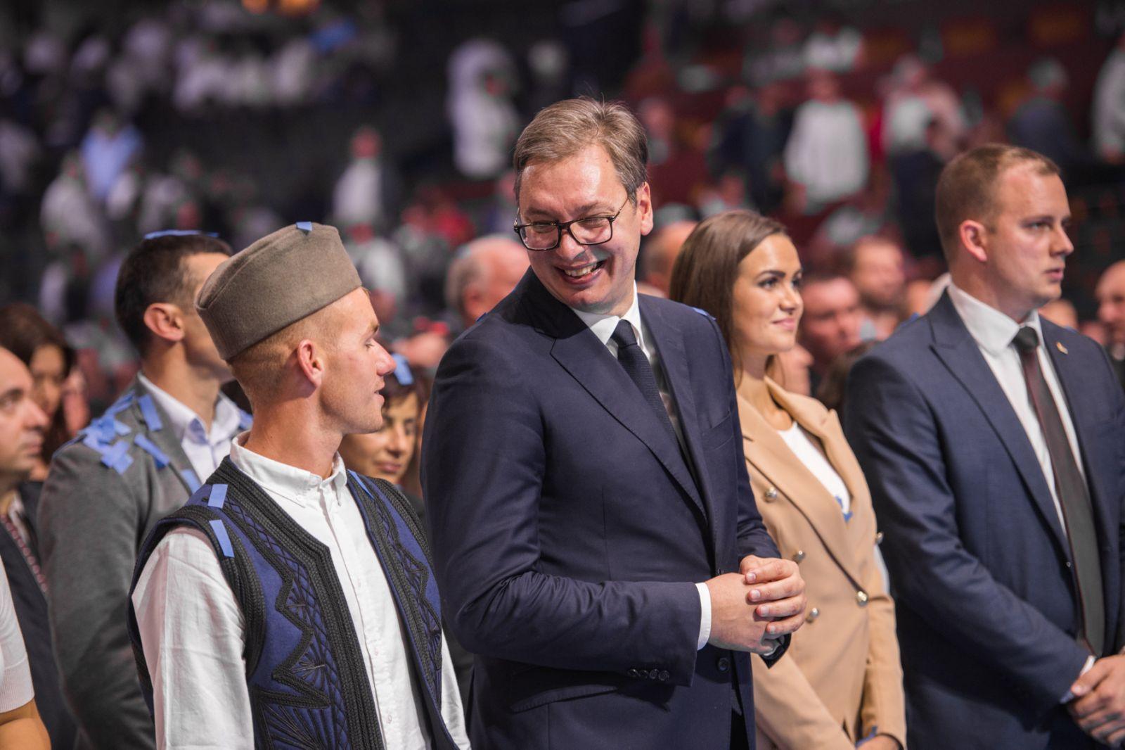 Predsednik Srbije Aleksandar Vucic u obracanju gradjanima u hali SPENS, povodom jedanaestog rodjendana Srpske napredne stranke.