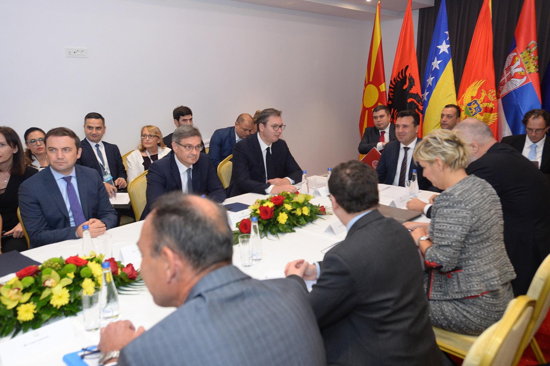 Predsednik Srbije Aleksandar Vucic nema ovde nikakve Jugoslavije, vec samo boljeg zivota