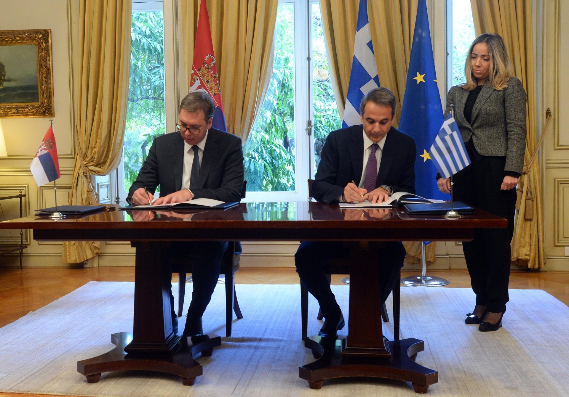 Predsednik Srbije Aleksandar Vucic sa grčkim premijerom Kirjakosom Micotakisom 3