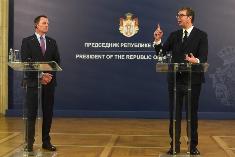 Председник Србије Александар Вучић са Ричардом Гренелом.