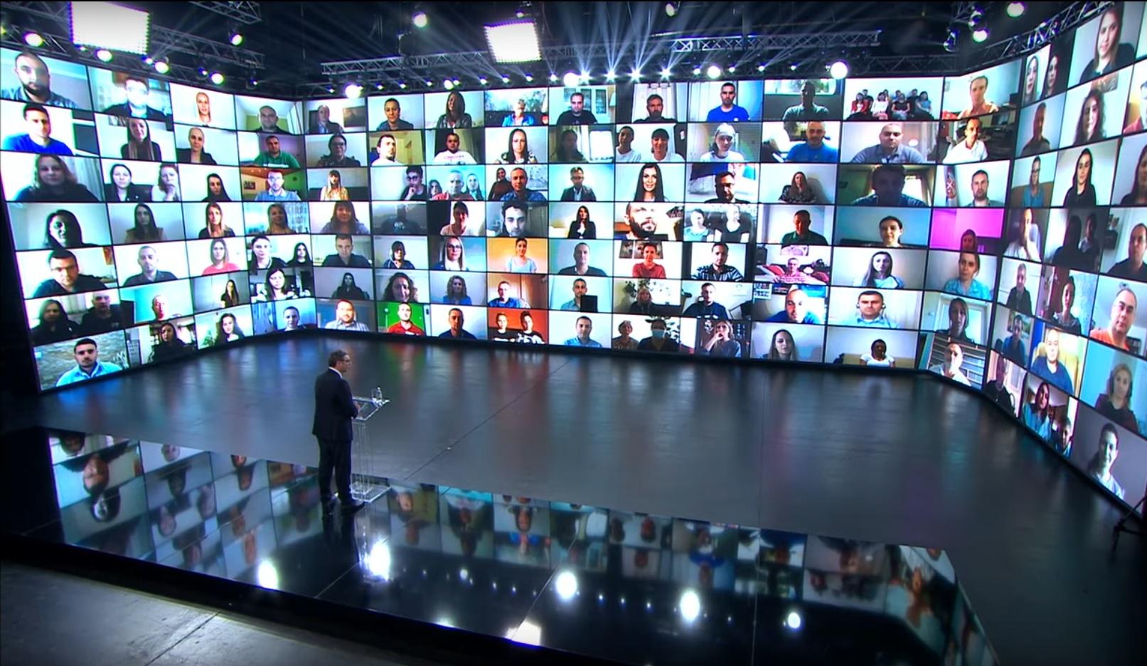 Predsednik Srbije Aleksandar Vucic na onlajn konferenciji.