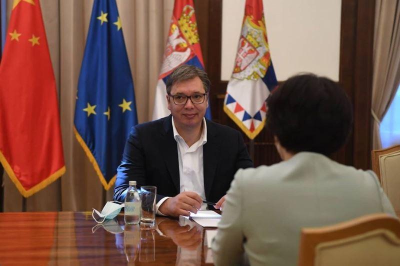 Председник Србије Александар Вучић угостио је амбасадорку Кине Чен Бо.