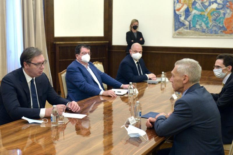 Председник Србије Александар Вучић са амбасадором Русије Александаром Боцан-Харченком.