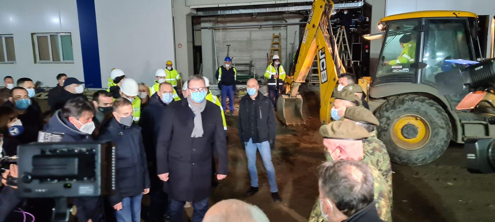 Predsednik Srbije Aleksandar Vucic u obilasku radova na izgradnji Covid bolnice u Krusevcu.