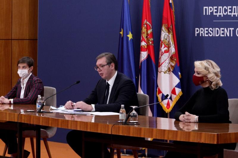Председник Србије Александар Вучић после седнице државног врха и Оперативног тима.