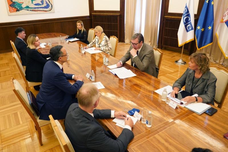 Predsednik Srbije Aleksandar Vucic i Abrahmanov o polozaju nacionalnih manjina u Srbiji
