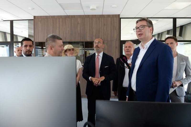 Председник Србије у обиласку Командног торња на ХЕ Ђердап.