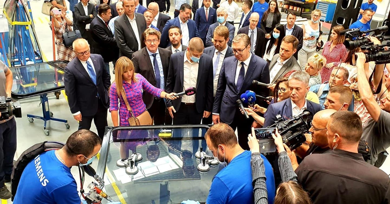 Председник Александар Вучић у посети фабрици Сименс