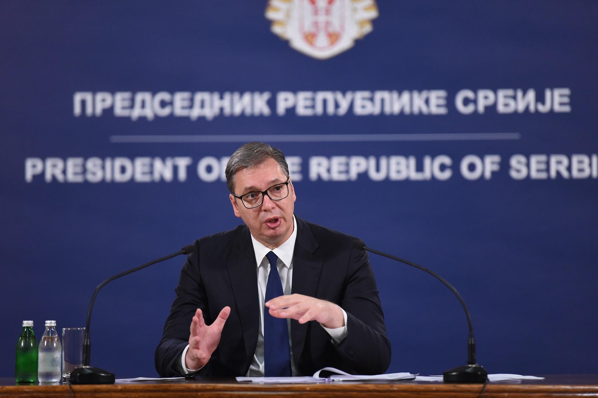 Вучић на конференцији за медије поводом тешким момената на Косову и Метохији