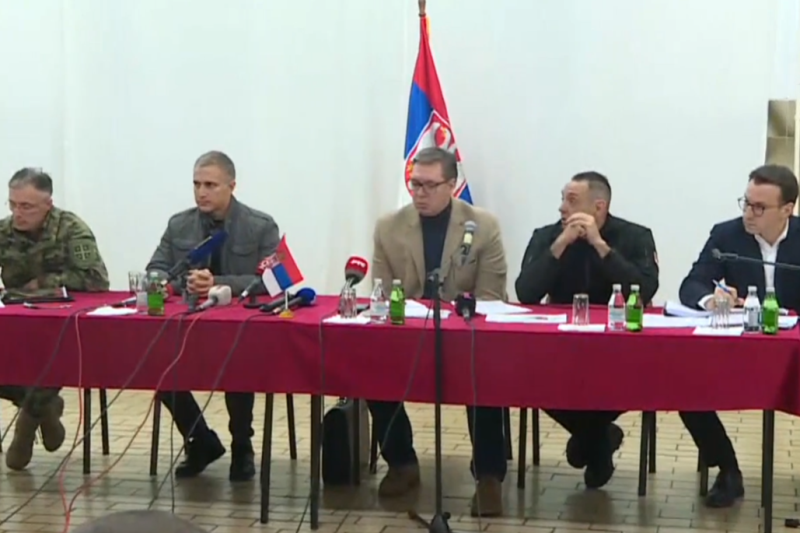Predsednik Srbije Aleksandar Vucic Vucic Uz vas smo, budite trezveni